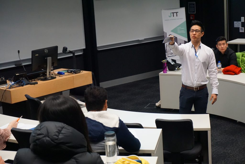 Dr Justin Sung teaching an interview workshop in 2017.